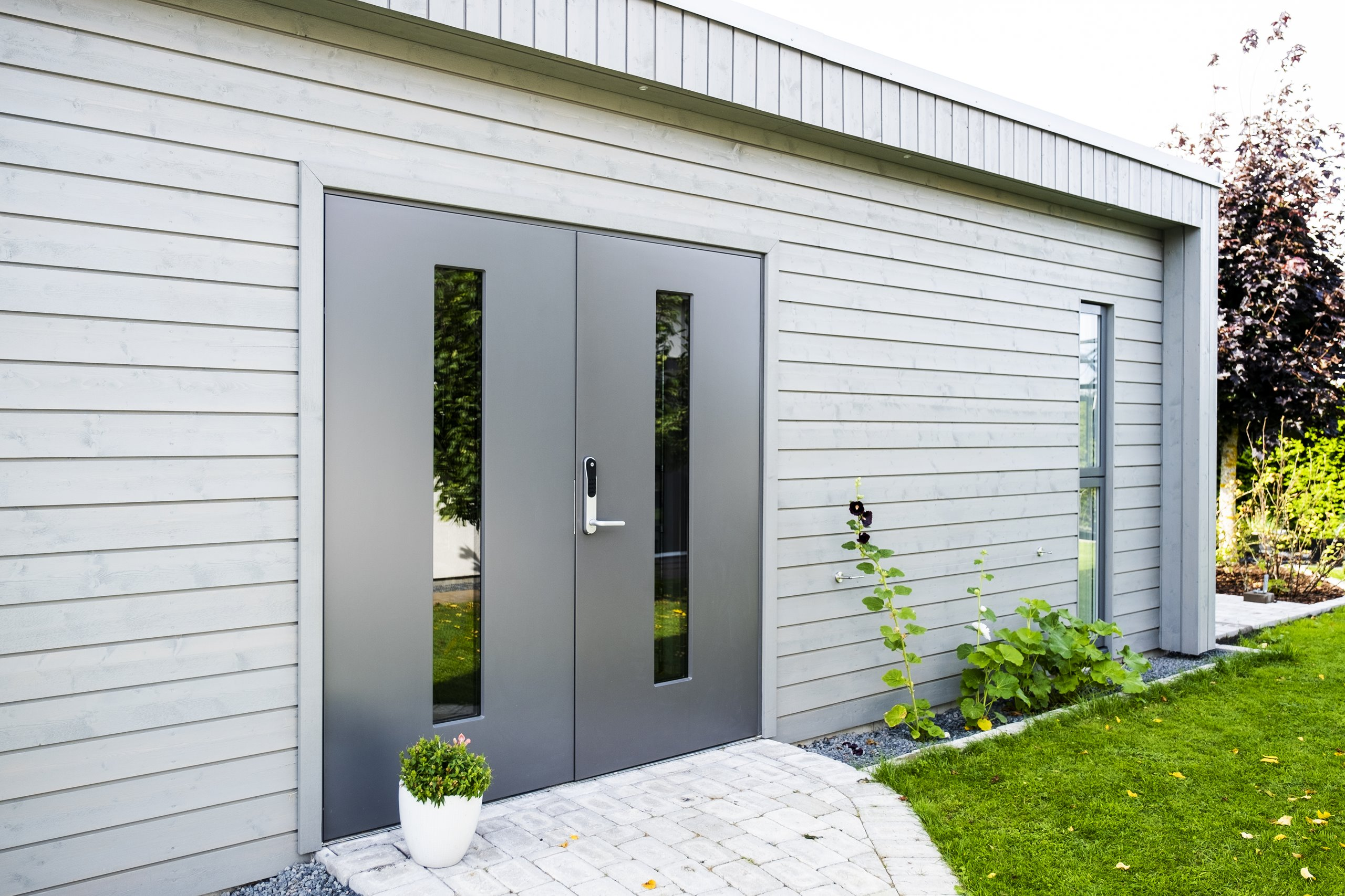JW-Exterior-Door-TOWER-Double-gray-in-wooden-garden-house